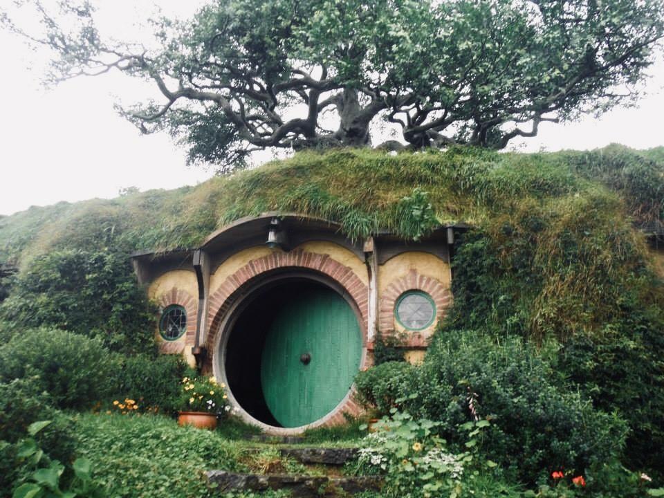 Visiting Hobbiton New Zealand