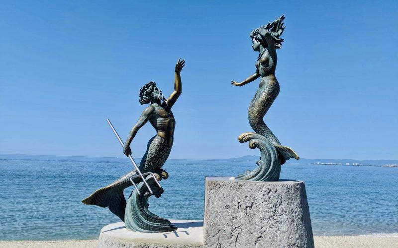 Triton and Mermaid statue on Malecon
